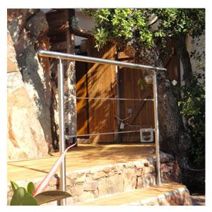 Une bonne protection contre la chute grâce aux câbles sertis en INOX FIPS